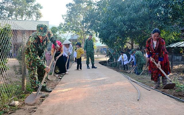 Quân khu 2 tăng cường xây dựng cơ sở chính trị địa bàn Ảnh 1