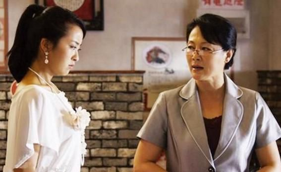 Làm sao gỡ rối mối quan hệ giữa mẹ phong kiến- vợ 'dâu Tây' Ảnh 1