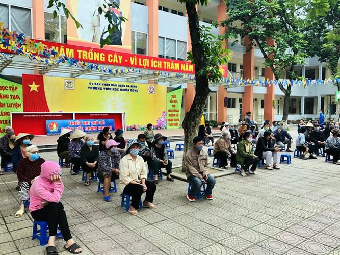 Cây 'ATM gạo' ở Phúc Xá phát tặng miễn phí hàng nghìn suất cho người dân Ảnh 4