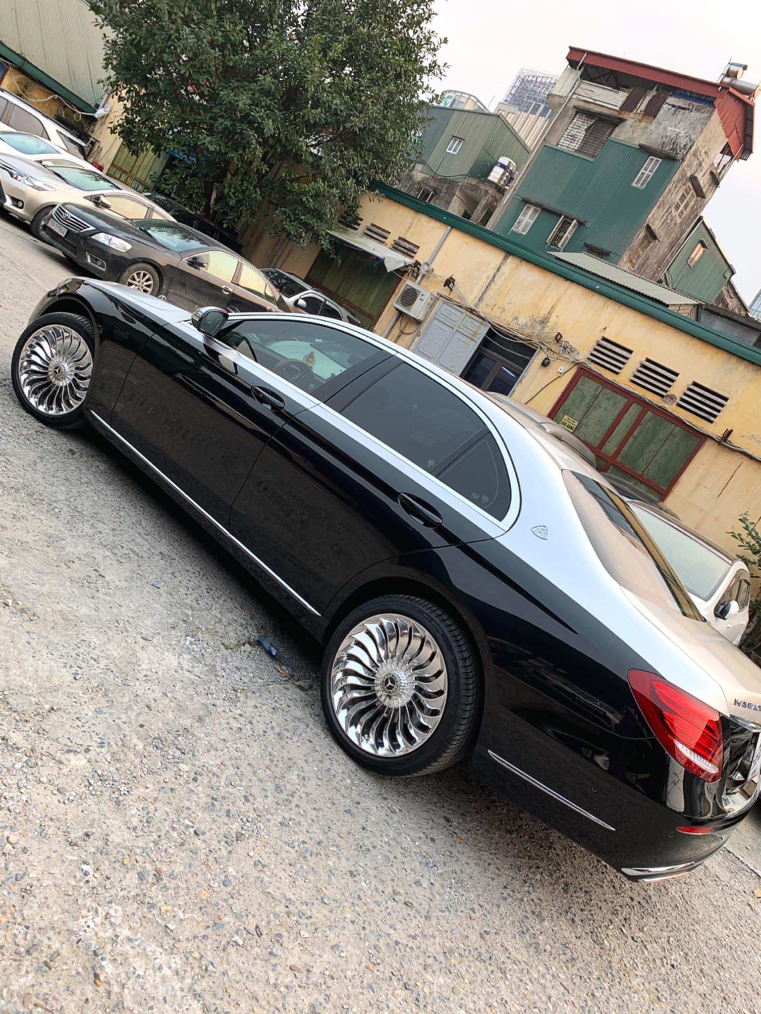 Dân chơi Hà Nội tự mình 'hô biến' Mercedes-Benz E 200 thành S 450 Maybach chỉ với 150 triệu đồng Ảnh 6