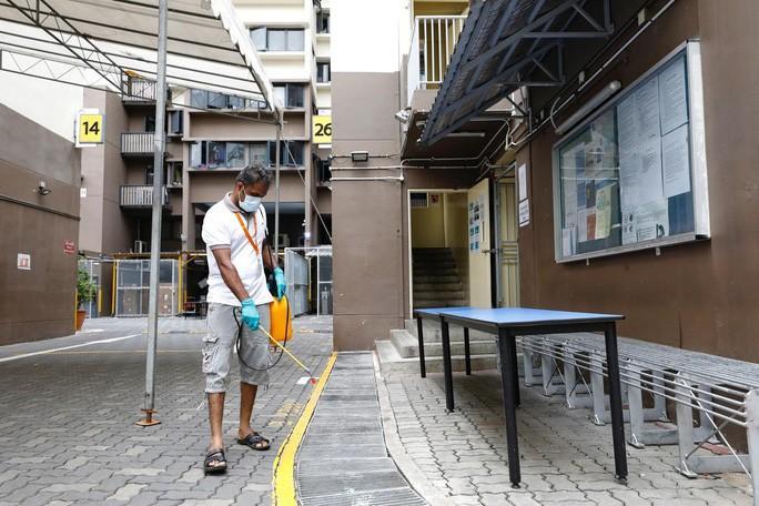 Covid-19: Singapore tăng ca nhiễm kỷ lục, Nhật Bản và Thái 'vung tiền' Ảnh 1