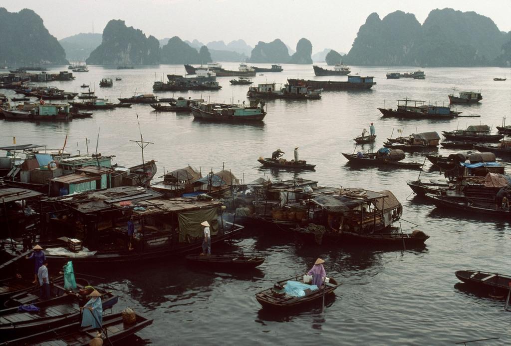 Nhịp sống hối hả, nhộn nhịp ở Quảng Ninh năm 1994-1995 Ảnh 3