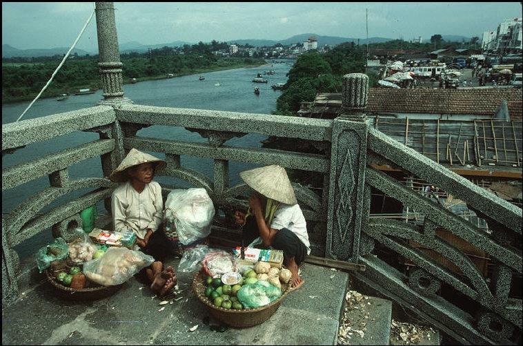 Nhịp sống hối hả, nhộn nhịp ở Quảng Ninh năm 1994-1995 Ảnh 12