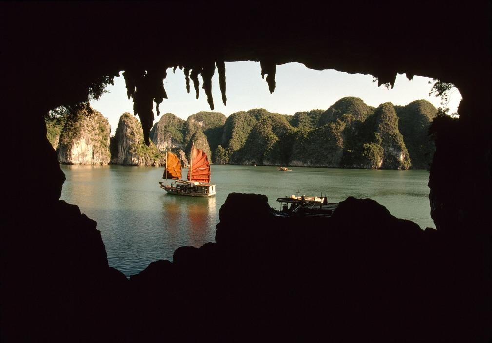 Nhịp sống hối hả, nhộn nhịp ở Quảng Ninh năm 1994-1995 Ảnh 2