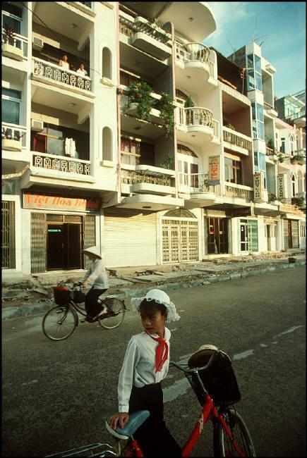Nhịp sống hối hả, nhộn nhịp ở Quảng Ninh năm 1994-1995 Ảnh 6