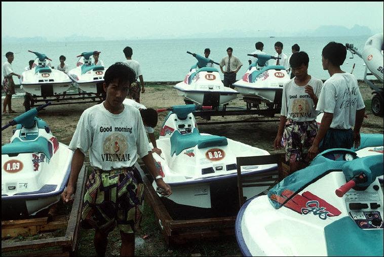 Nhịp sống hối hả, nhộn nhịp ở Quảng Ninh năm 1994-1995 Ảnh 5