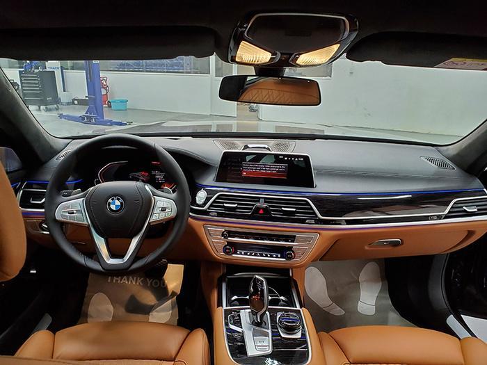Đánh giá nhanh BMW 740Li Pure Excellence giá gần 6,3 tỷ đồng tại thị trường Việt Nam Ảnh 13