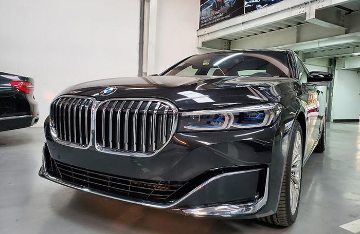 Đánh giá nhanh BMW 740Li Pure Excellence giá gần 6,3 tỷ đồng tại thị trường Việt Nam Ảnh 4