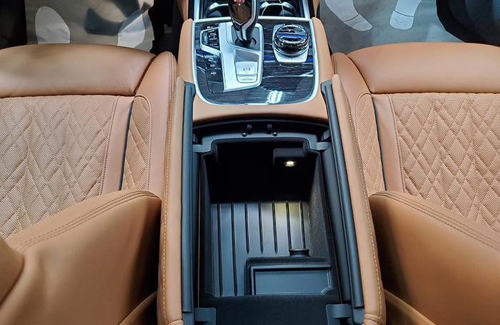 Đánh giá nhanh BMW 740Li Pure Excellence giá gần 6,3 tỷ đồng tại thị trường Việt Nam Ảnh 28