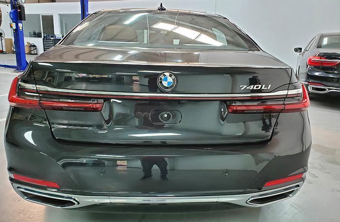 Đánh giá nhanh BMW 740Li Pure Excellence giá gần 6,3 tỷ đồng tại thị trường Việt Nam Ảnh 8