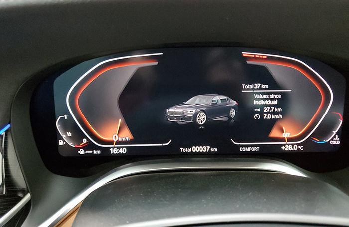 Đánh giá nhanh BMW 740Li Pure Excellence giá gần 6,3 tỷ đồng tại thị trường Việt Nam Ảnh 22