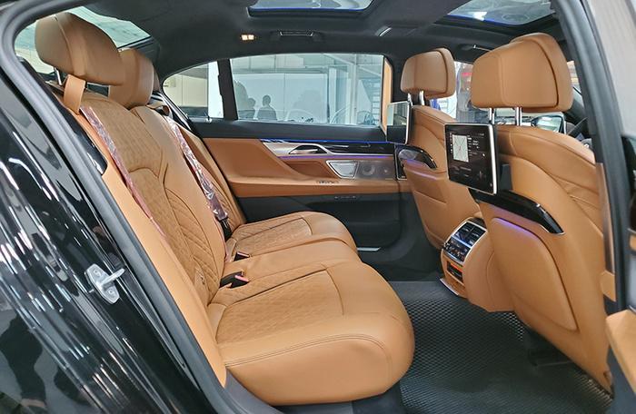 Đánh giá nhanh BMW 740Li Pure Excellence giá gần 6,3 tỷ đồng tại thị trường Việt Nam Ảnh 17
