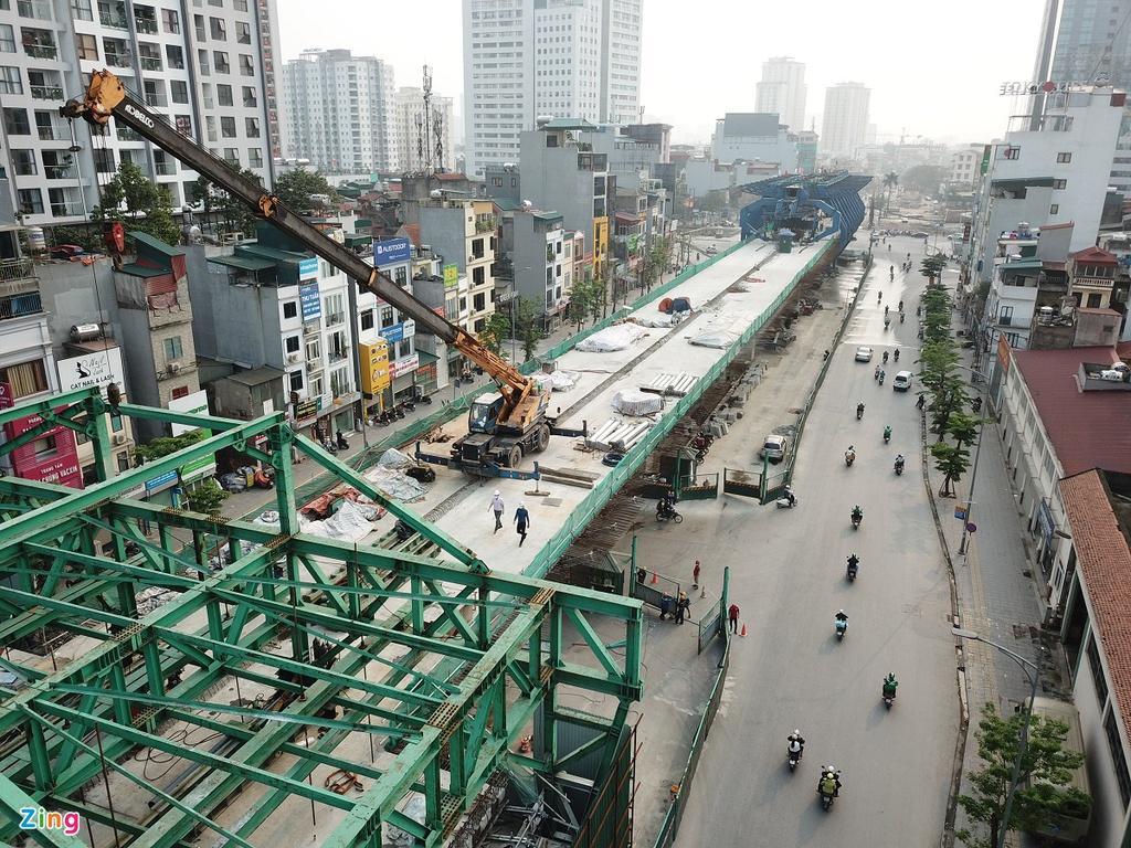 Thi công cầu cạn cao nhất Hà Nội giữa những ngày cách ly xã hội Ảnh 8