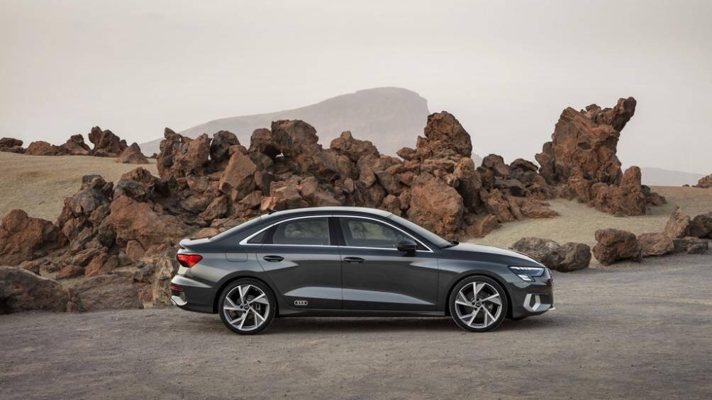 Giá hơn 32.000 USD, Audi A3 2021 có những trang bị gì nổi bật? Ảnh 1