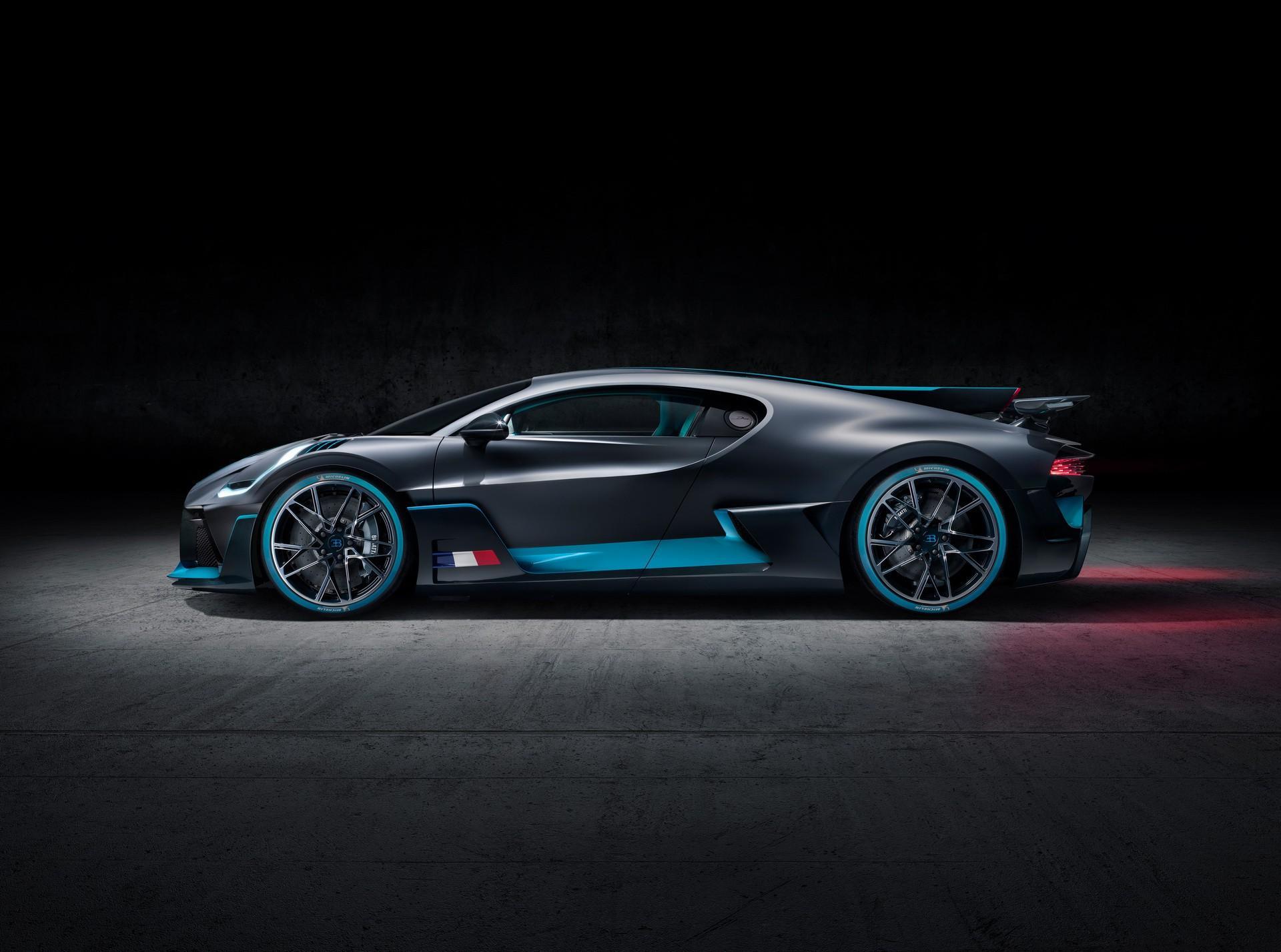 Mẫu Bugatti Divo đầu tiên sẽ được bán ra với mức giá hơn 5,4 triệu USD Ảnh 3