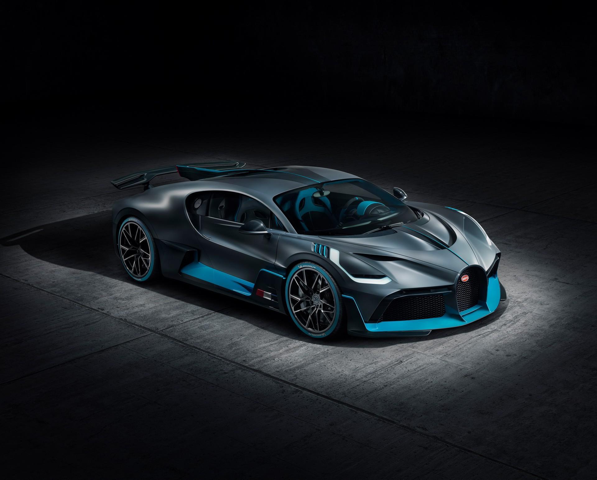 Mẫu Bugatti Divo đầu tiên sẽ được bán ra với mức giá hơn 5,4 triệu USD Ảnh 2