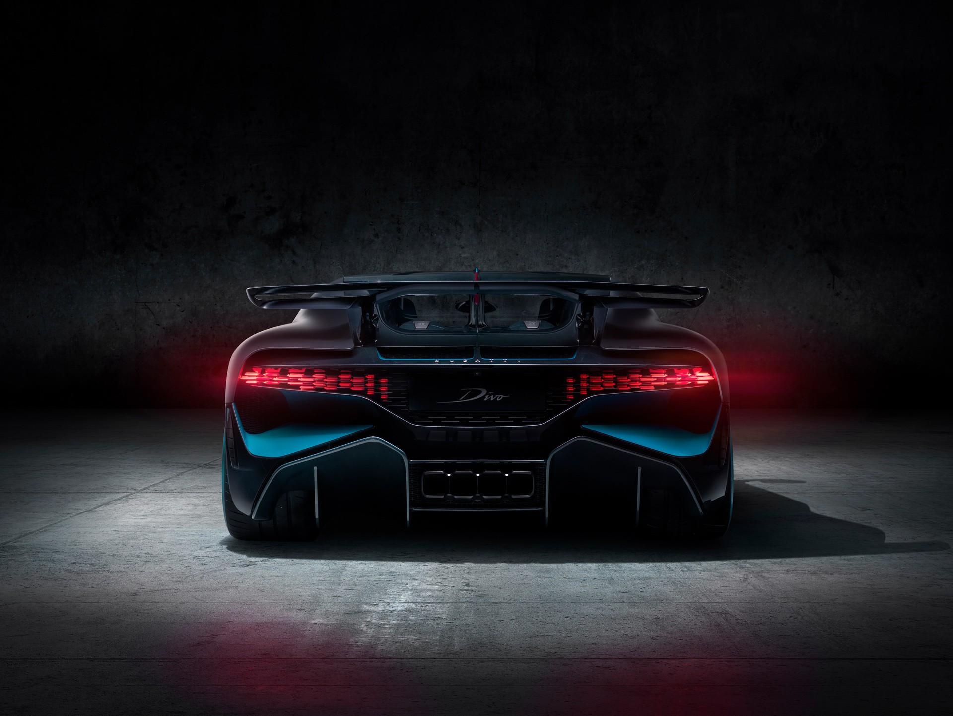 Mẫu Bugatti Divo đầu tiên sẽ được bán ra với mức giá hơn 5,4 triệu USD Ảnh 6