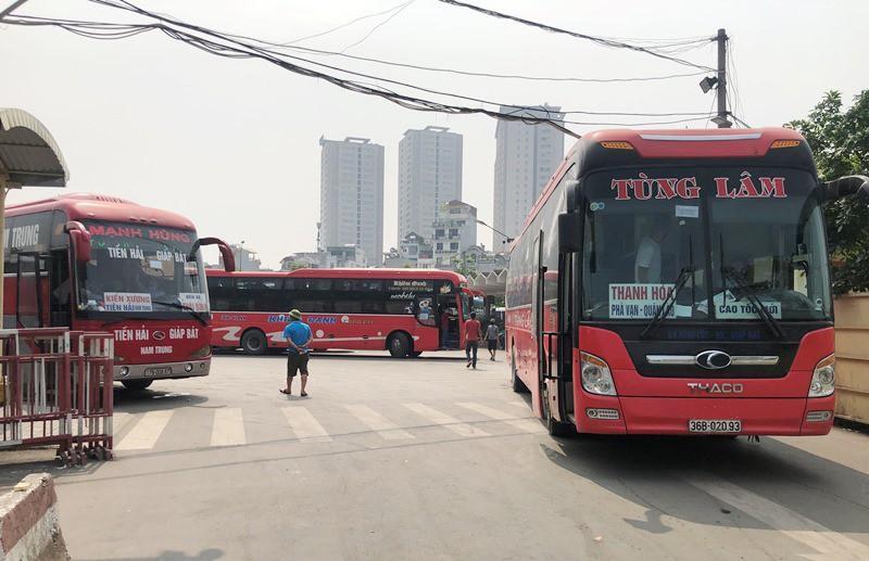 Xe khách được hoạt động đến 50% tần suất, bến đông xe nhưng vắng khách Ảnh 14