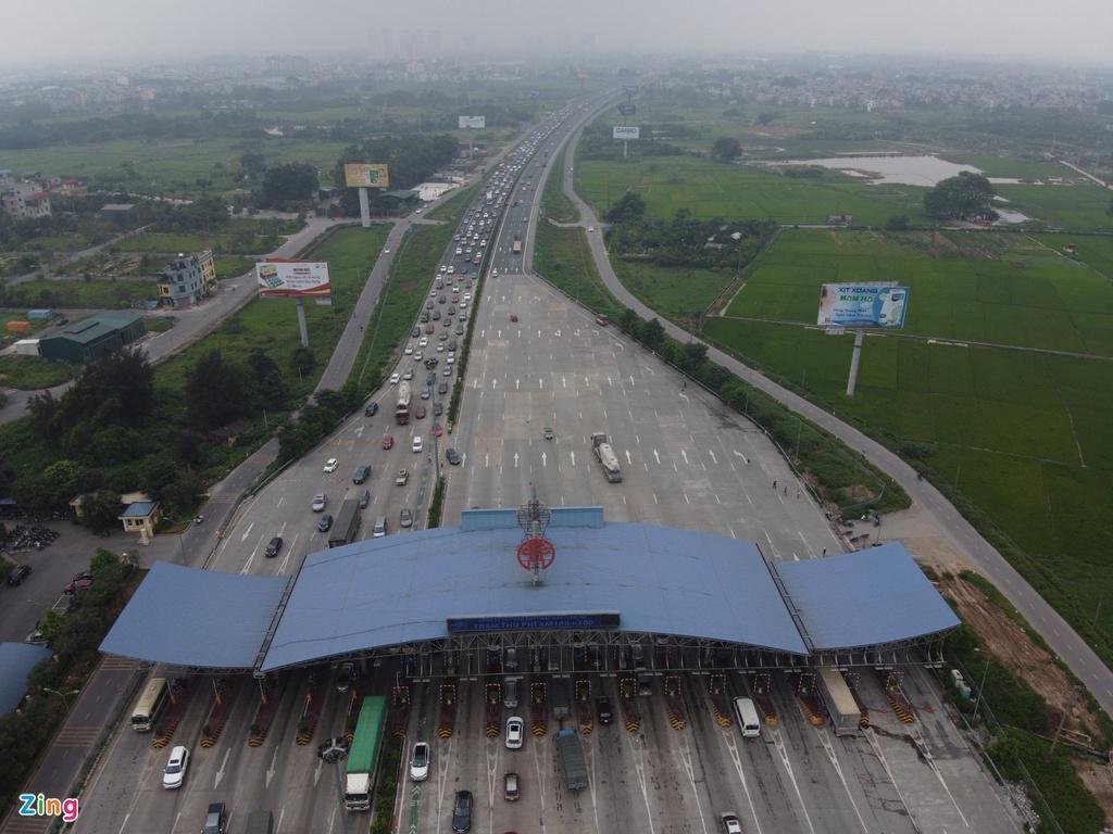 Người dân đổ về quê nghỉ lễ, cửa ngõ Hà Nội tắc gần 10 km Ảnh 7