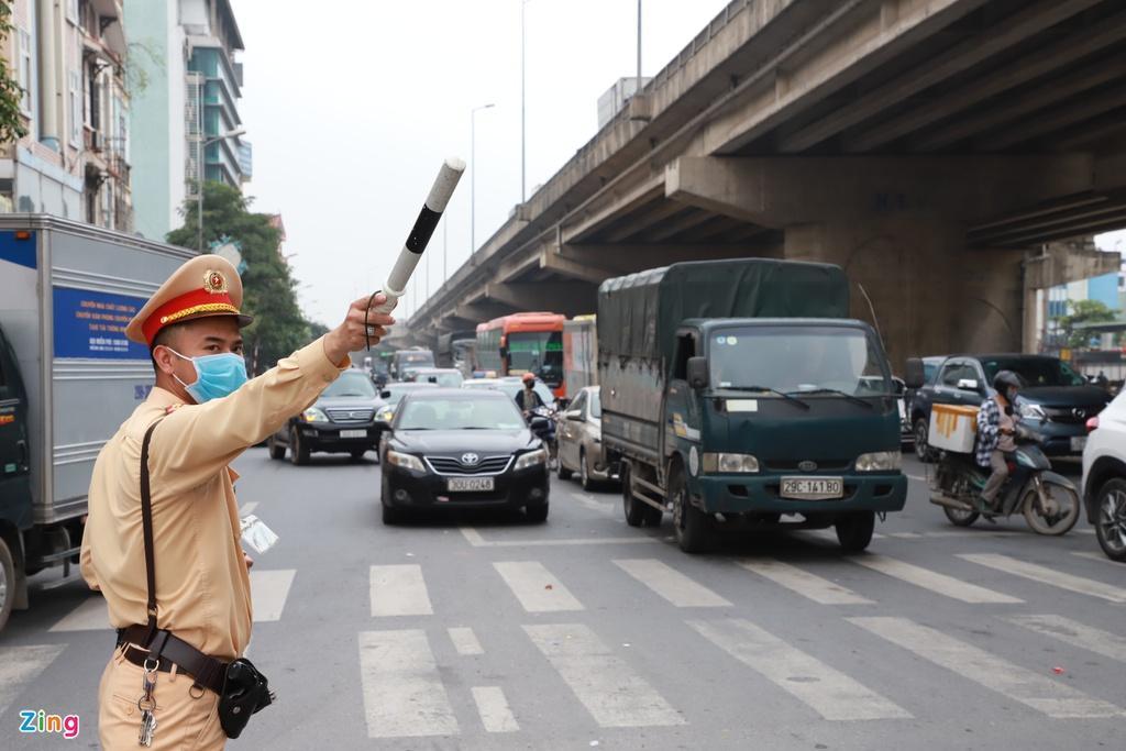 Người dân đổ về quê nghỉ lễ, cửa ngõ Hà Nội tắc gần 10 km Ảnh 5