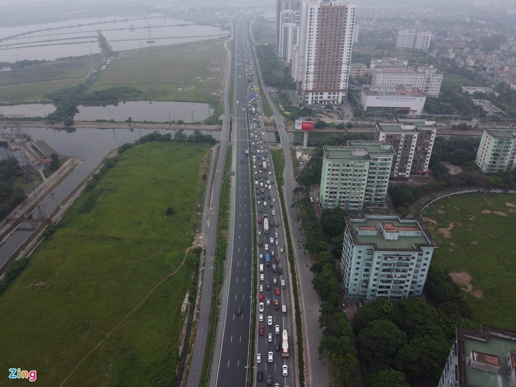 Người dân đổ về quê nghỉ lễ, cửa ngõ Hà Nội tắc gần 10 km Ảnh 6