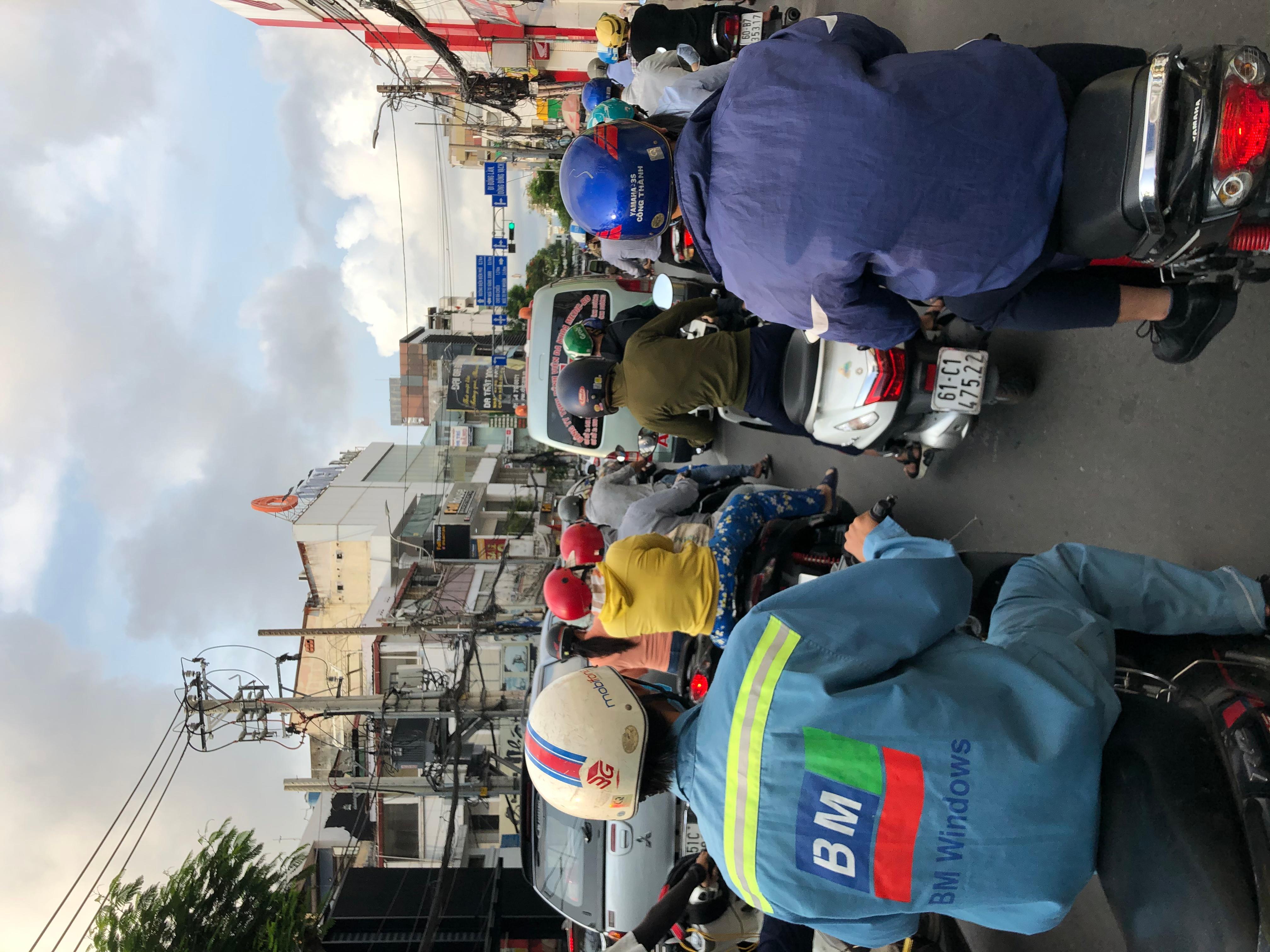 Sài Gòn kẹt xe trở lại Ảnh 7