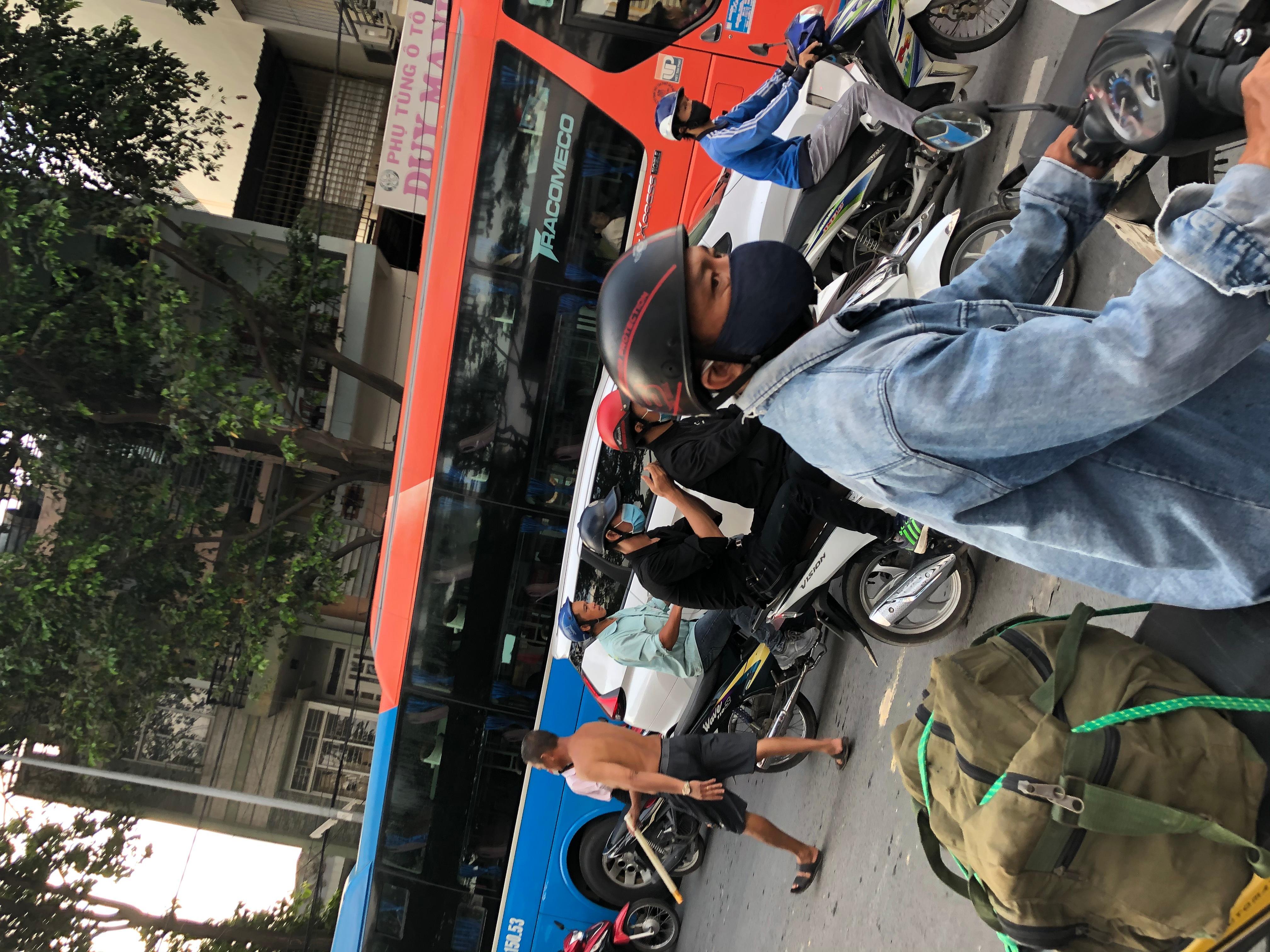 Sài Gòn kẹt xe trở lại Ảnh 6
