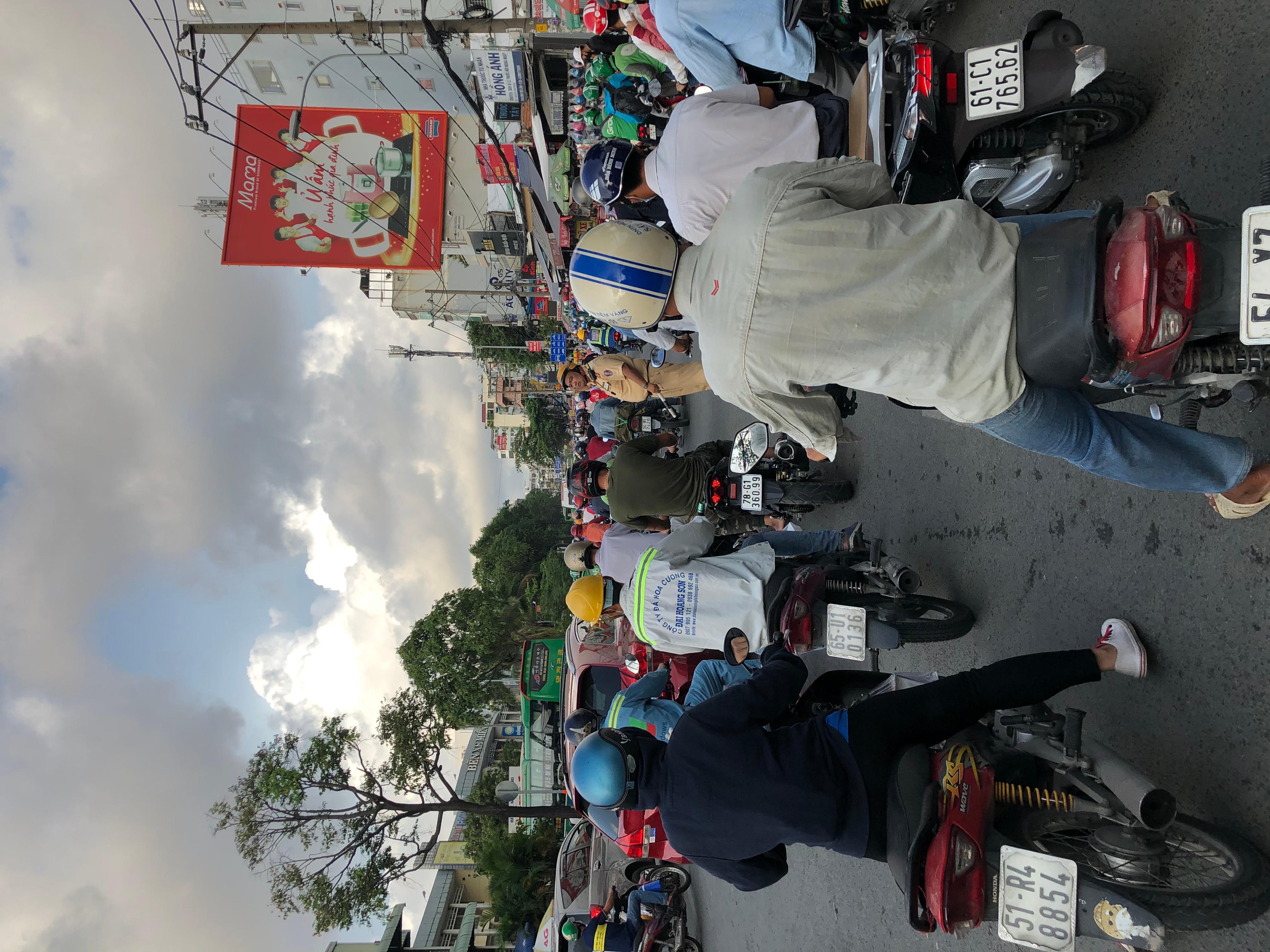 Sài Gòn kẹt xe trở lại Ảnh 4