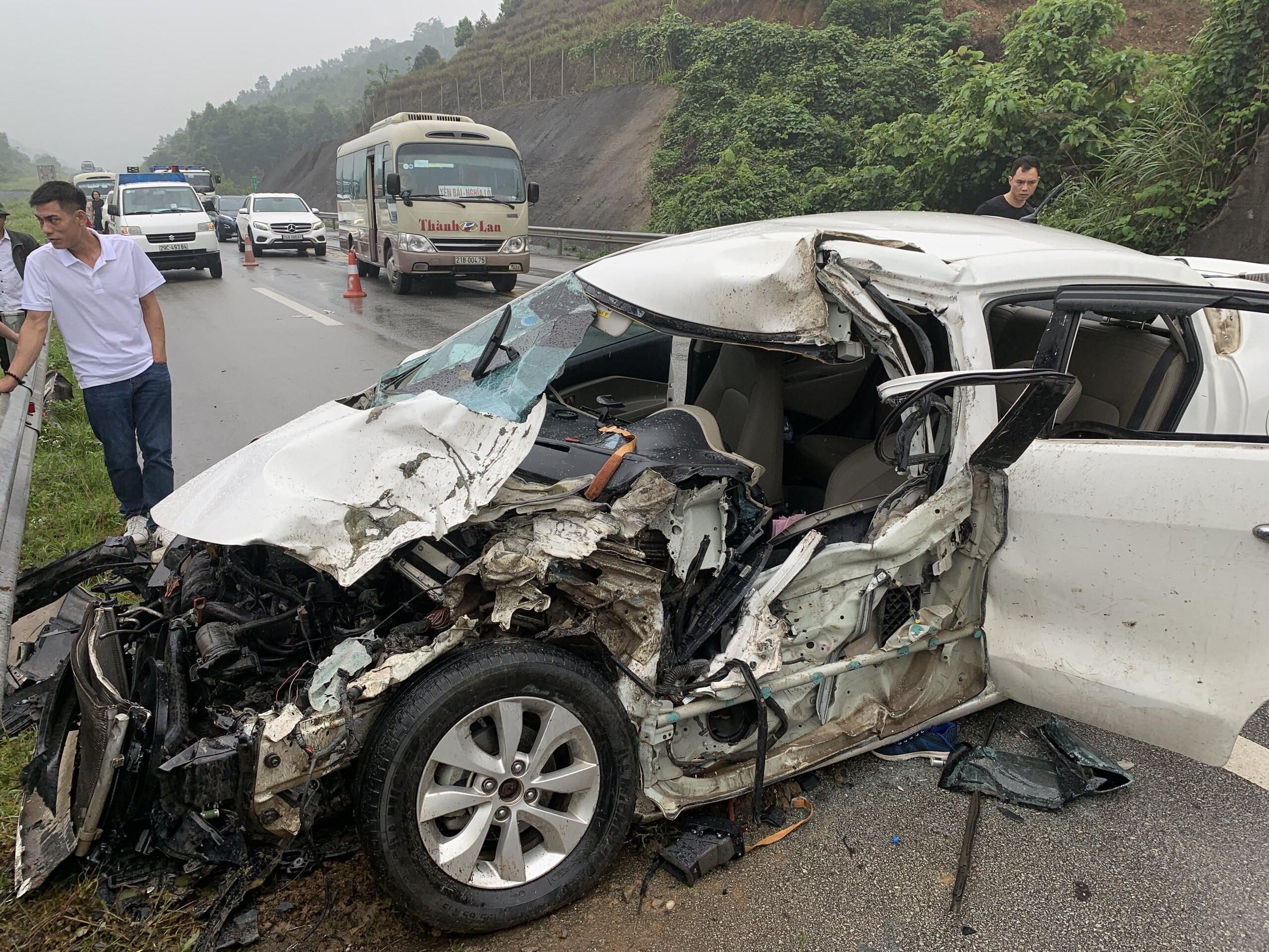 Sau 4 ngày nghỉ lễ: Số vụ tai nạn giao thông tăng, đua xe trái phép nhiều Ảnh 1