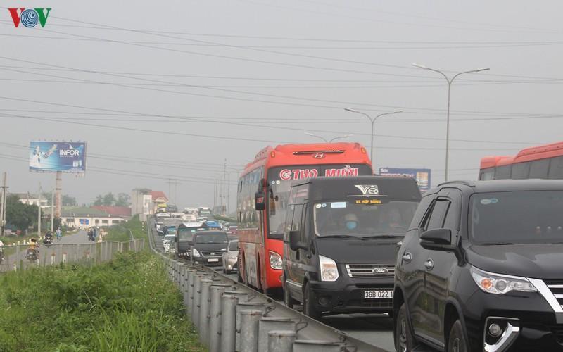 Sau 4 ngày nghỉ lễ: Số vụ tai nạn giao thông tăng, đua xe trái phép nhiều Ảnh 5