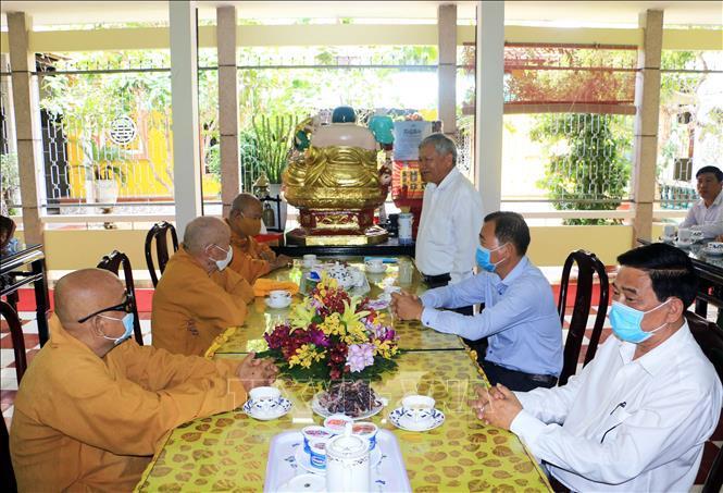 Thăm, chúc mừng Ban Trị sự Giáo hội Phật giáo Việt Nam tỉnh Vĩnh Long Ảnh 1