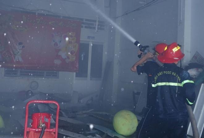Cháy lớn tại khu tập thể Trung tâm Văn hóa ở An Giang, nhiều đạo cụ, phục trang biểu diễn bị thiêu rụi Ảnh 2
