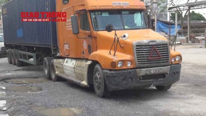 Con đường 'tang thương' dưới vệt bánh xe quá tải Ảnh 14