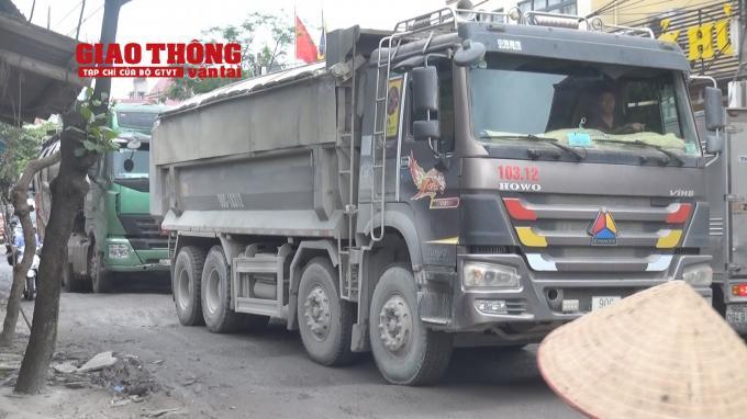 Con đường 'tang thương' dưới vệt bánh xe quá tải Ảnh 7