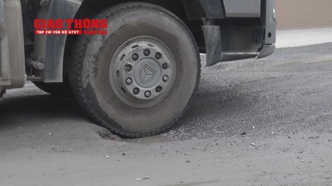 Con đường 'tang thương' dưới vệt bánh xe quá tải Ảnh 10