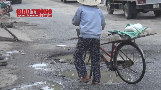 Con đường 'tang thương' dưới vệt bánh xe quá tải Ảnh 18