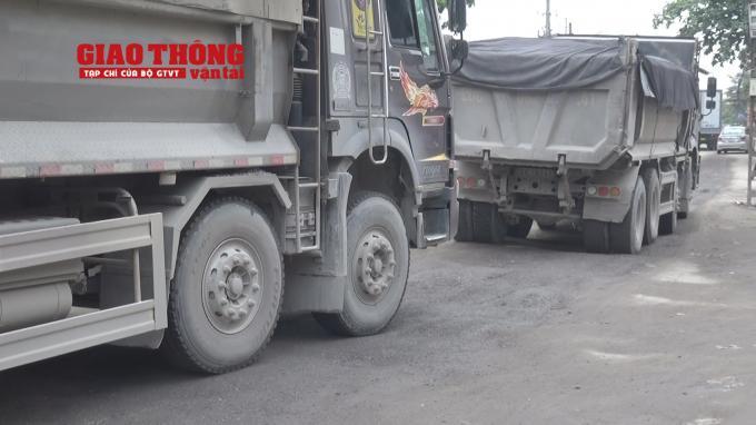 Con đường 'tang thương' dưới vệt bánh xe quá tải Ảnh 8