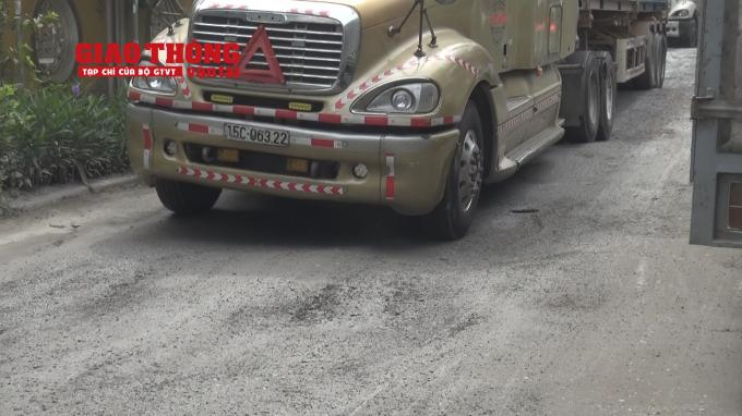 Con đường 'tang thương' dưới vệt bánh xe quá tải Ảnh 11