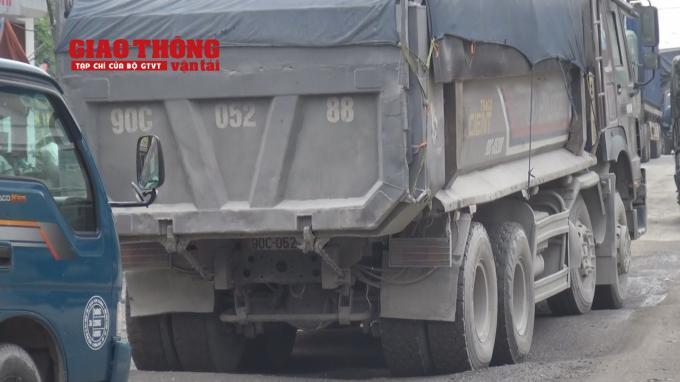 Con đường 'tang thương' dưới vệt bánh xe quá tải Ảnh 9