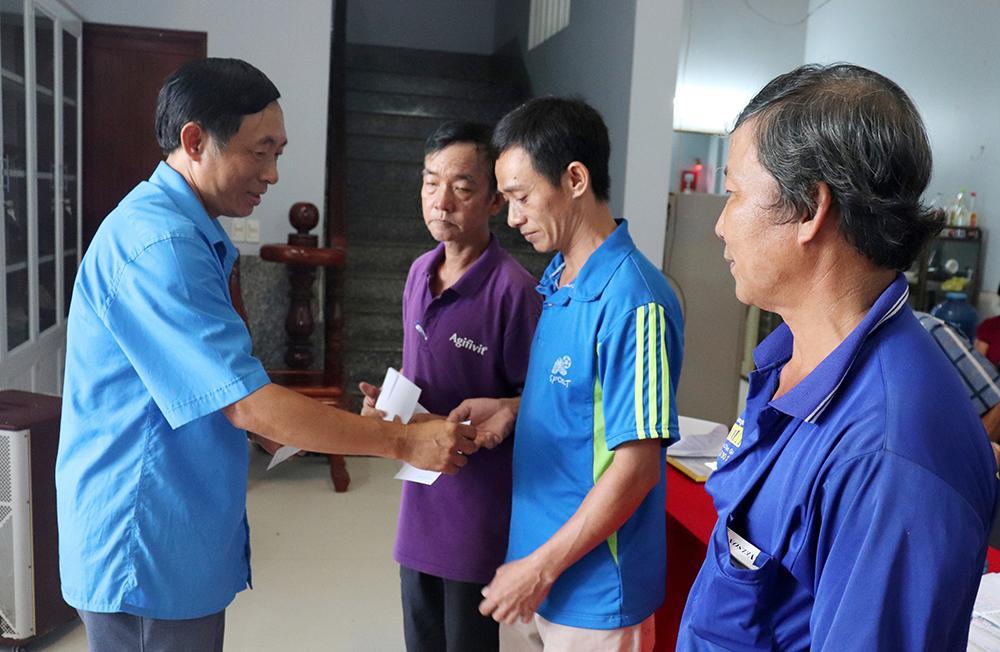 Liên đoàn Lao động huyện Phú Tân thành lập Công đoàn cơ sở mới Ảnh 1