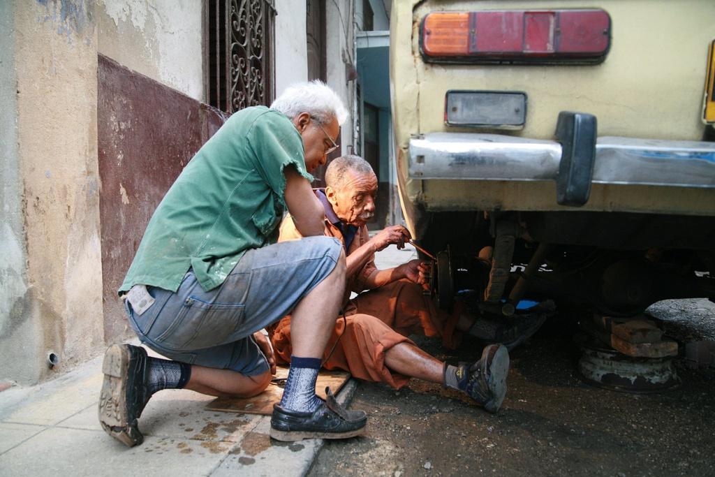 Người Cuba và tình yêu với những chiếc Lada Ảnh 3