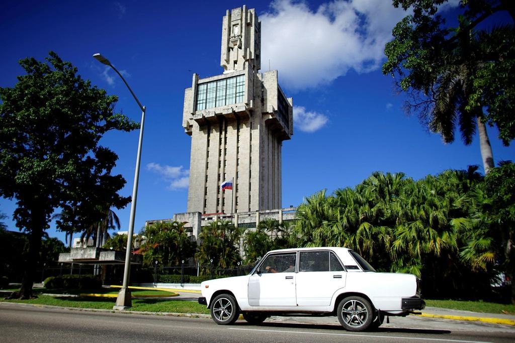 Người Cuba và tình yêu với những chiếc Lada Ảnh 7