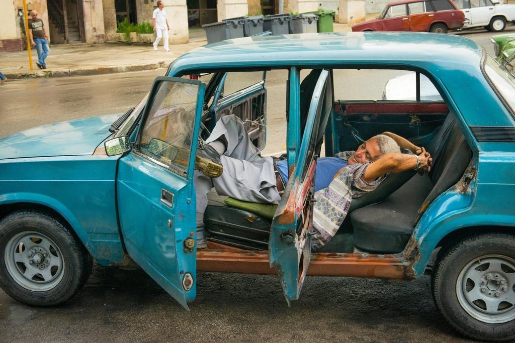Người Cuba và tình yêu với những chiếc Lada Ảnh 4
