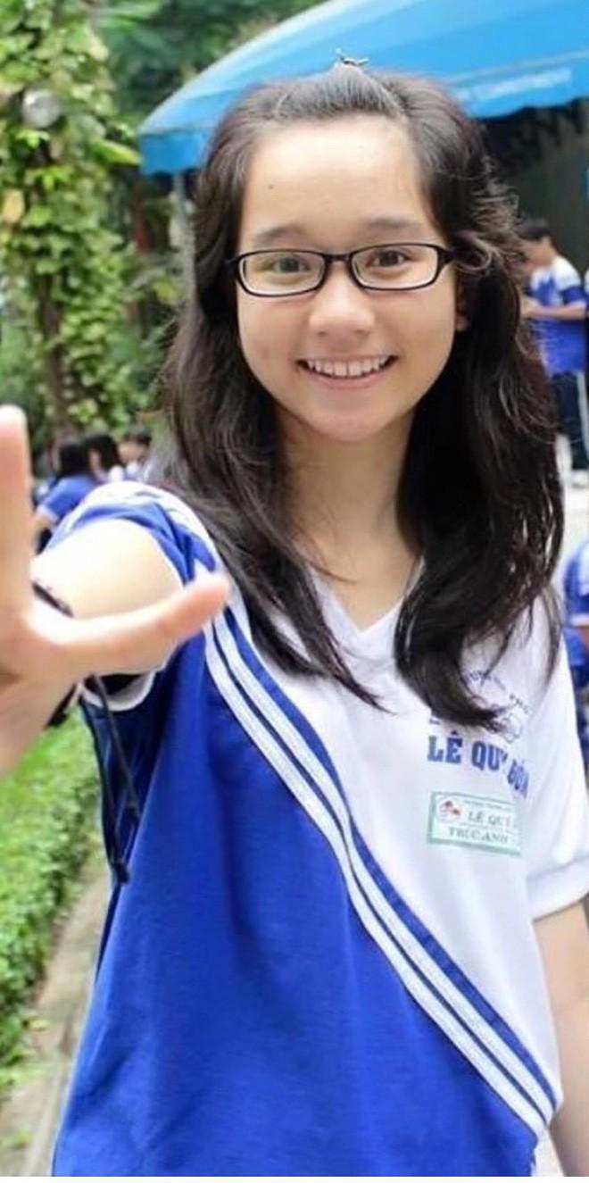 Hot girl Việt đình đám khoe ảnh thời còn đi học toàn nhan sắc 'lợi hại' Ảnh 4