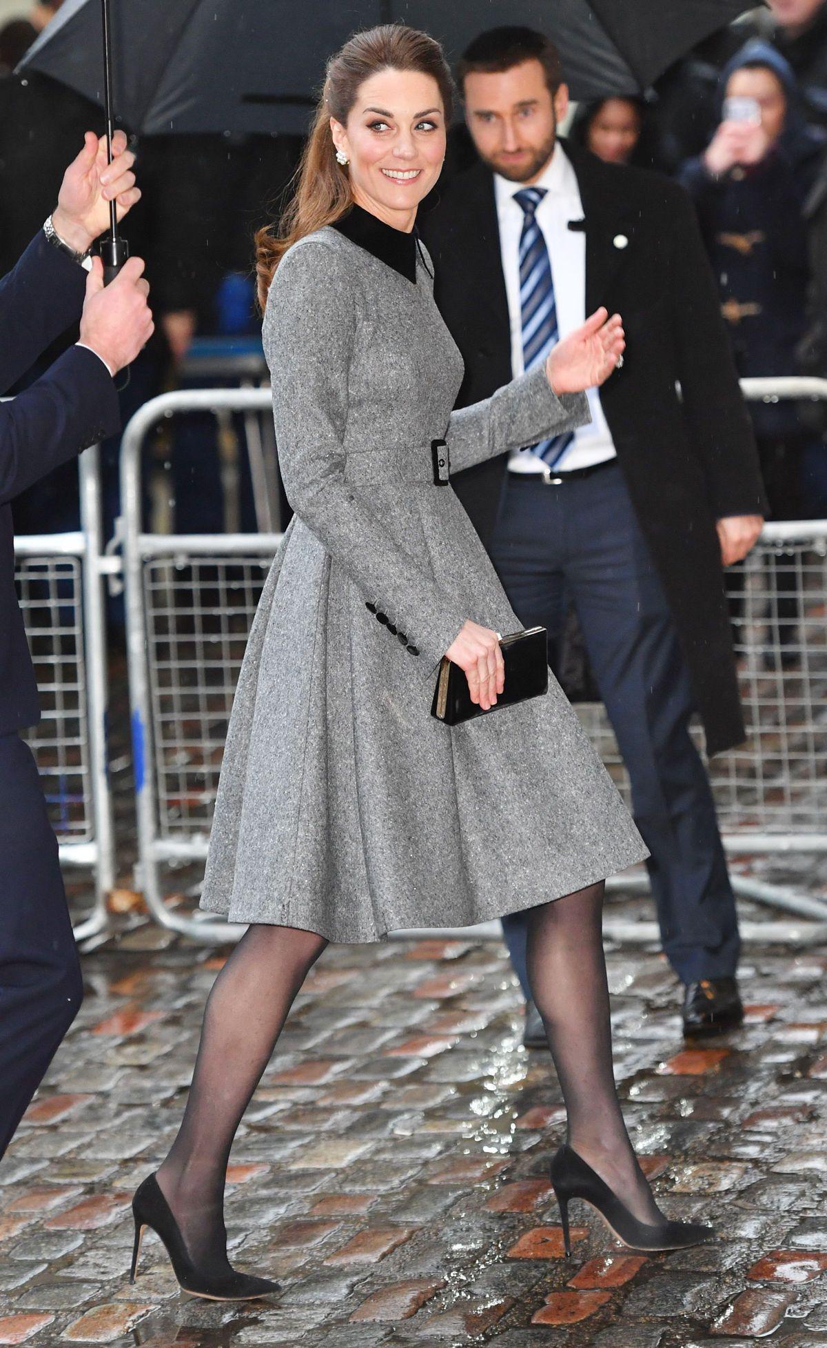 Mùa Hè chăm diện váy vóc, học theo Công nương Kate cách chọn giày với váy thì style của các chị em còn thăng điểm vài phần Ảnh 6