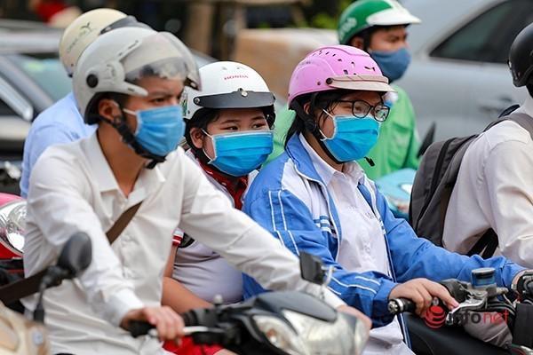 Giao thông tắc nghẽn trong ngày đầu tiên học sinh Hà Nội đi học trở lại Ảnh 5