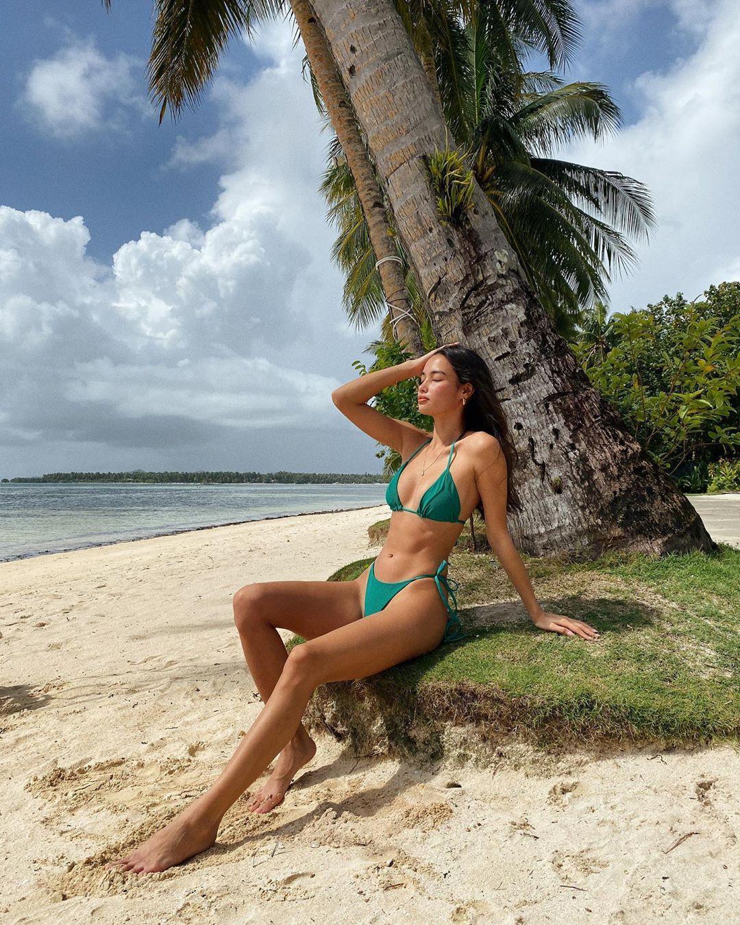 Ảnh bikini tôn thân hình tuyệt mỹ của người mẫu Kelsey Merritt Ảnh 6