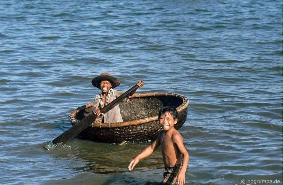 Nhịp sống dân dã ở Quy Nhơn cách đây gần 30 năm Ảnh 8