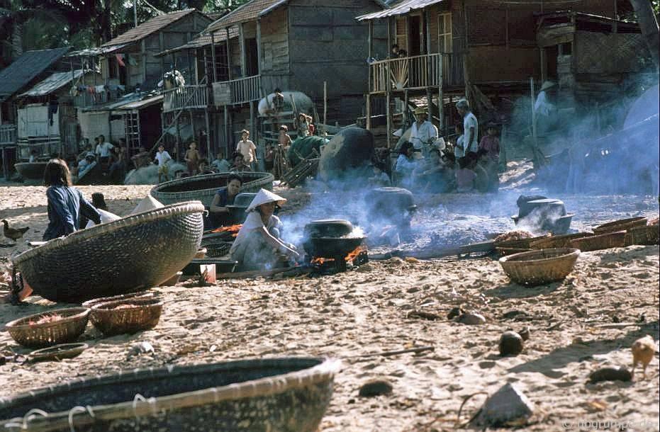 Nhịp sống dân dã ở Quy Nhơn cách đây gần 30 năm Ảnh 10