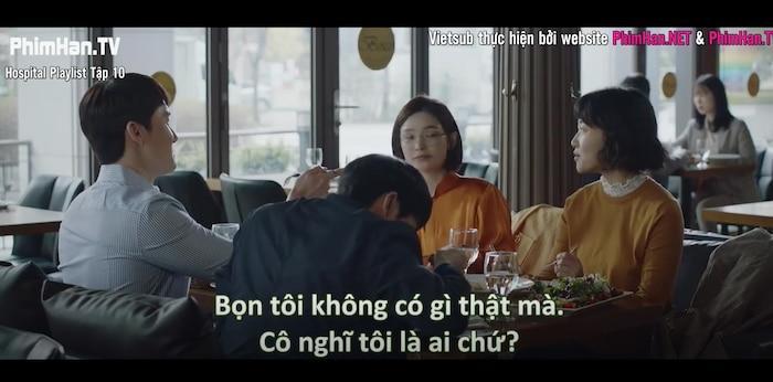 Hospital Playlist tập 10: Thời gian dành cho những câu chuyện tình yêu chớm nở, Jung Won phân vân nên chọn con tim hay là nghe lý trí Ảnh 2